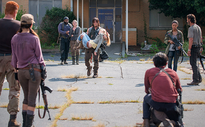 The Walking Dead Beth Greene murio disparo
