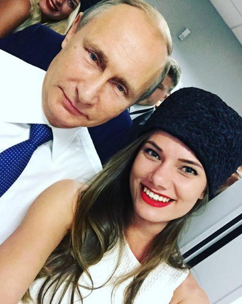 vladimir putin selfie modelo rusa