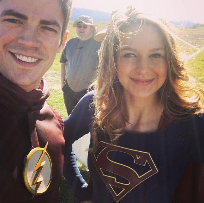 the flash supergirl grant gustin melissa benoist