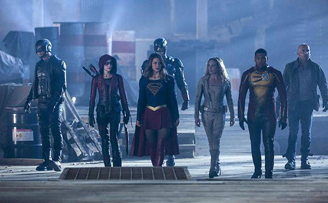 the flash supergirl arrow legends of tomorrow crossover