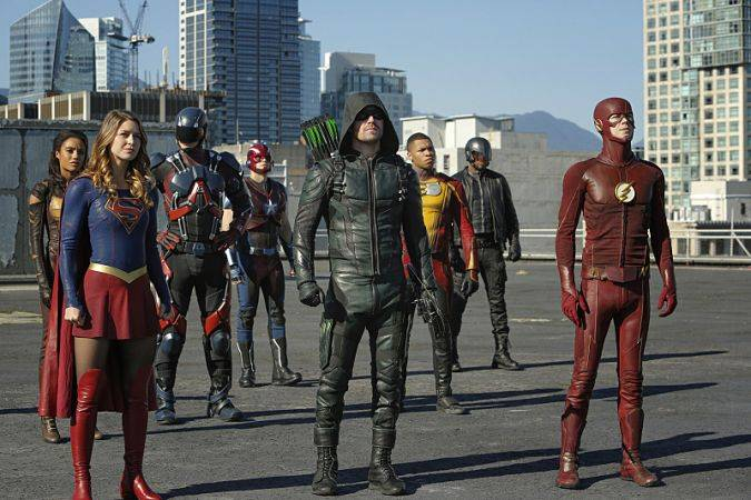 crossover arrow the flash legends of tomorrow supergirl