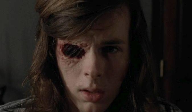 the walking dead 7x07 carl ojo cicatriz