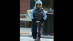 Game of Thrones: Peter Dinklage pasea en scooter y se convierte en blanco de memes - Noticias de rodrigo santoro