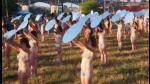Mujeres desnudas protestaron contra Donald Trump frente al lente de Spencer Tunick - Noticias de mike spencer